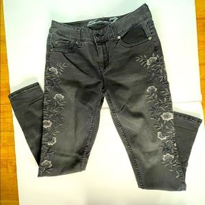 Seven7 Embroidered Black Jeans Skinny Size 6